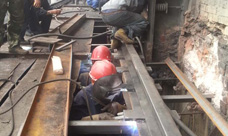 钢轨焊接现场