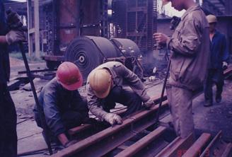 一九九九年轨道焊接过程之对接钢轨
